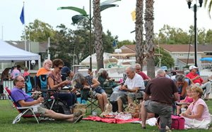 Outdoor picnic for Wine and Art First Fridays in Pittsburg