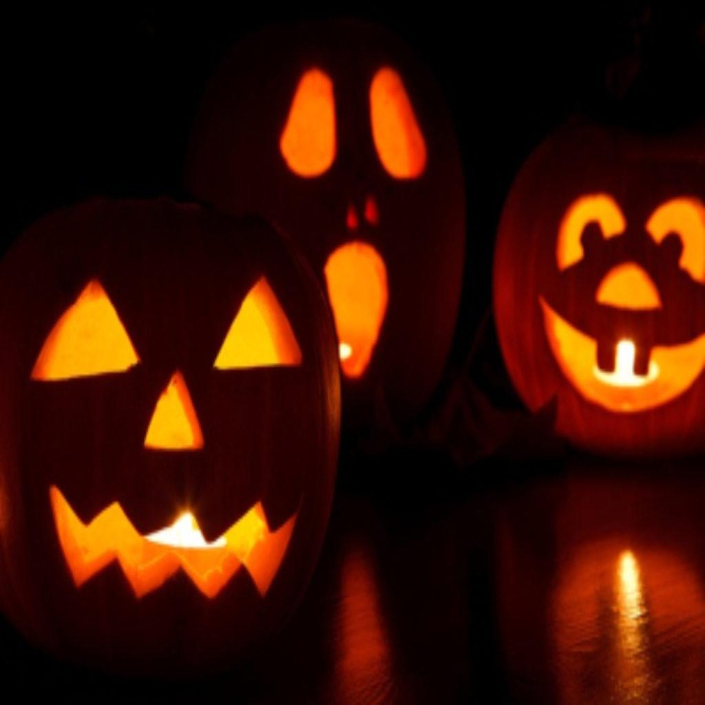 glowing craved pumpkins